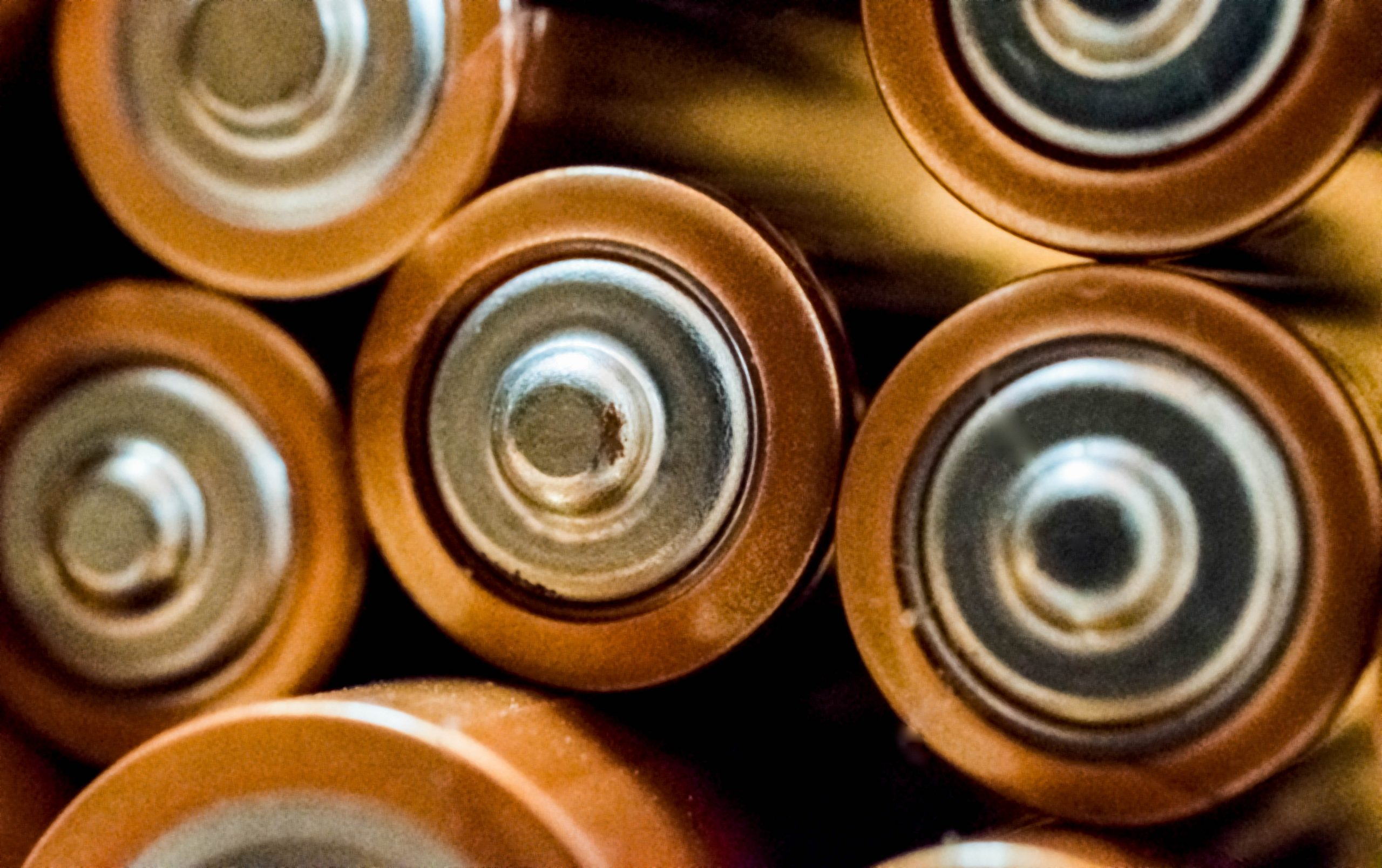 close-up-photo-of-batteries-698485