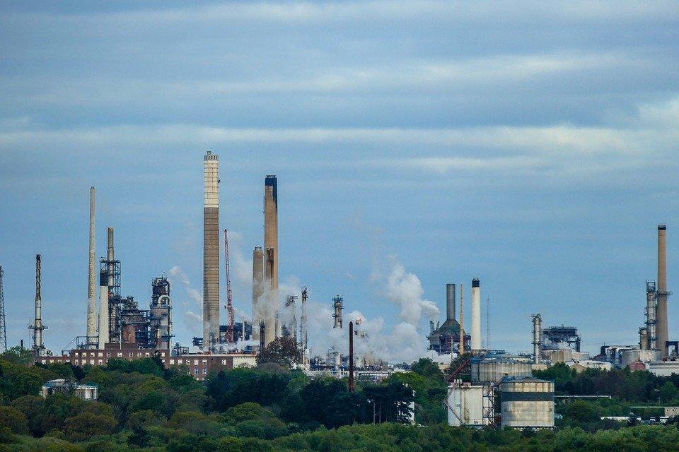 Mineral-Oil-Refinery-Oil-Refinery-Oil-Industry-2251247.jpg