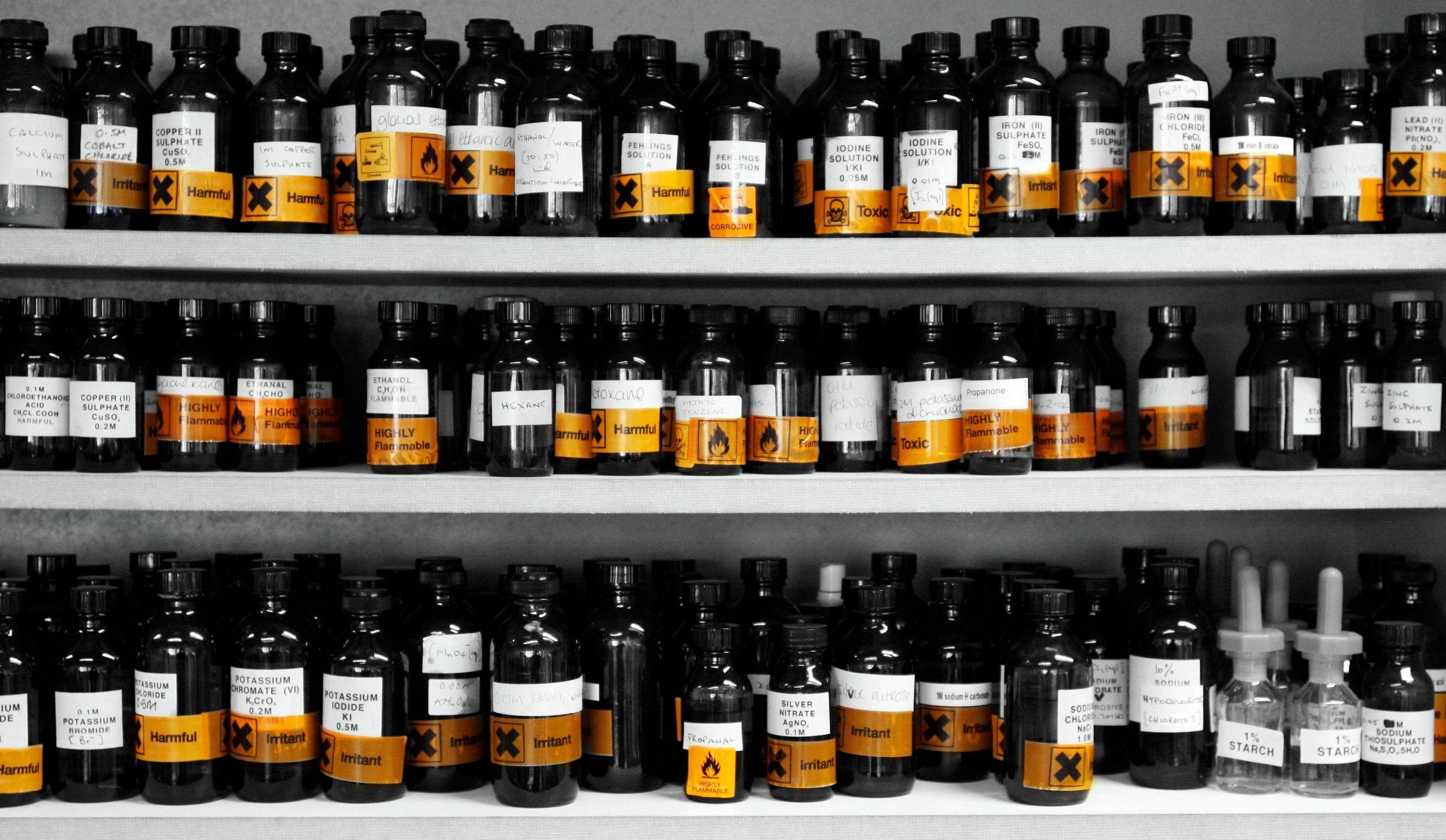 I_Heart_Small_Bottles_of_Chemicals_4890752060.jpg